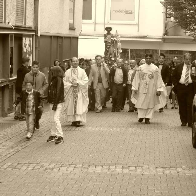 Calogero procession 2